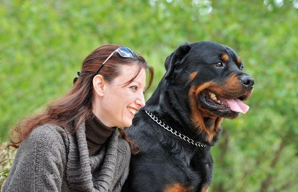 woman_and_rottweiler