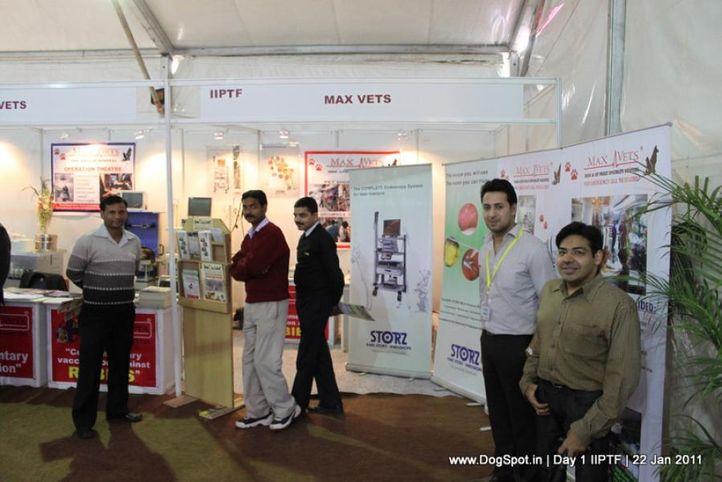 max vets,stalls,, Day 1 IIPTF 2011, DogSpot.in