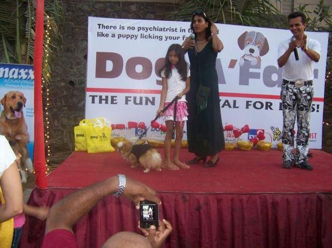 Farzana Contractor,Fashion Show,Shah Rukh Khan Kids,Suhana Khan,, Dog A Fair May 2010, DogSpot.in