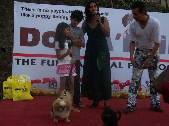 Aryan Khan,Farzana Contractor,Fashion Show,Shah Rukh Khan Kids,Suhana Khan,, Dog A Fair May 2010, DogSpot.in